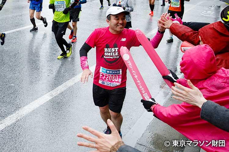 写真:東京マラソン2019チャリティ 応援の様子 撮影:金井塚太郎